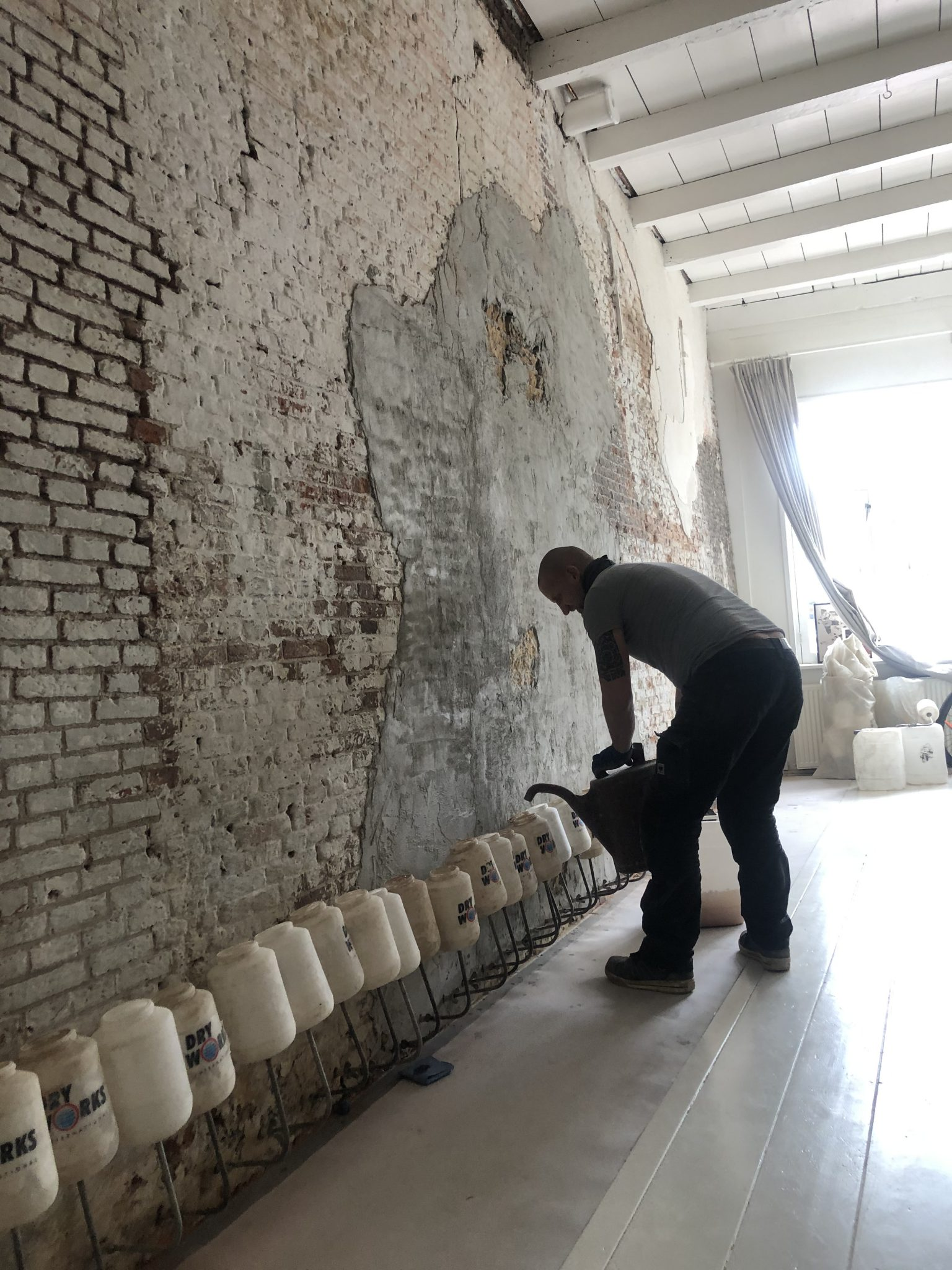 Project dry works Weesp woning Vochtproblemen, vochtprobleem, vochtbestrijding, optrekkend vocht