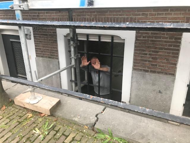 Project van Dry Works Nieuwe Uitleg Den Haag Vochtwering, vochtproblemen, kelderlekkage, lekkage, aangetast stucwerk, injectie, vochtbestrijding werkzaamheden
